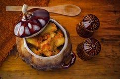Μαγειρευμένες πατάτες με το κρέας και τις ντομάτες Στοκ Φωτογραφίες