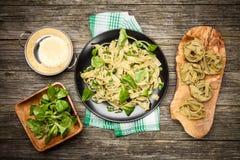 Μαγειρευμένος tagliatelle σε ένα πιάτο Στοκ φωτογραφία με δικαίωμα ελεύθερης χρήσης