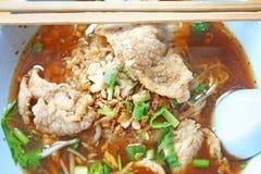 Μαγειρευμένο νουντλς χοιρινού κρέατος στοκ εικόνες με δικαίωμα ελεύθερης χρήσης