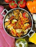 Μαγειρευμένο ύφος θερινών λαχανικών ratatouille Στοκ Εικόνες