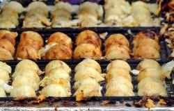 Μαγειρεύοντας ιαπωνικές σφαίρες καλαμαριών Στοκ εικόνα με δικαίωμα ελεύθερης χρήσης