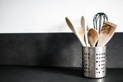 μαγειρεύοντας καθορισμένα εργαλεία κουζινών Στοκ εικόνα με δικαίωμα ελεύθερης χρήσης