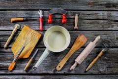 μαγειρεύοντας καθορισμένα εργαλεία κουζινών Στοκ εικόνες με δικαίωμα ελεύθερης χρήσης