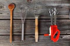 μαγειρεύοντας καθορισμένα εργαλεία κουζινών Στοκ Φωτογραφία