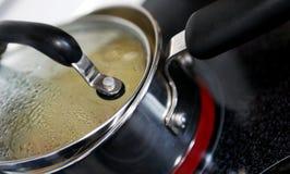 μαγειρεύοντας κουζίνα Στοκ Φωτογραφίες
