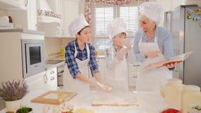 μαγειρεύοντας οικογέν&epsi φιλμ μικρού μήκους
