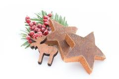 μαγειρεύοντας ραβδιά αστεριών καρυκευμάτων συστατικών κανέλας Χριστουγέννων γλυκάνισου Apple, γλυκάνισο, αστέρια, κανέλα, πεύκο Στοκ Εικόνες
