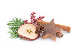 μαγειρεύοντας ραβδιά αστεριών καρυκευμάτων συστατικών κανέλας Χριστουγέννων γλυκάνισου Apple, γλυκάνισο, αστέρια, κανέλα, πεύκο α Στοκ Φωτογραφίες