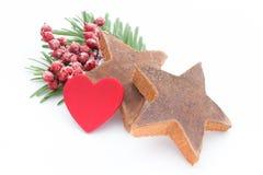 μαγειρεύοντας ραβδιά αστεριών καρυκευμάτων συστατικών κανέλας Χριστουγέννων γλυκάνισου Apple, γλυκάνισο, αστέρια, κανέλα, πεύκο α Στοκ φωτογραφία με δικαίωμα ελεύθερης χρήσης