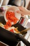 μαγειρεύοντας τρόφιμα υ&gamm Στοκ Εικόνες