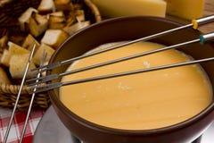 Μαγειρεύοντας fondue τυριών Στοκ εικόνες με δικαίωμα ελεύθερης χρήσης