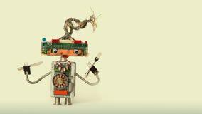 Μαγειρικό εννοιολογικό ρομποτικό κουτάλι δικράνων παιχνιδιών Αστείος χαρακτήρας ρομπότ αρχιμαγείρων για την αφίσα διαφήμισης επιλ Στοκ φωτογραφία με δικαίωμα ελεύθερης χρήσης