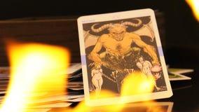 Μαγικές Witchcraft τύχης κάρτες Tarot αφηγητών μυστικές απόθεμα βίντεο