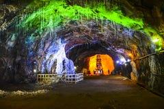 Μαγική εσωτερική άποψη του αλατισμένου ορυχείου Khewra στοκ εικόνα με δικαίωμα ελεύθερης χρήσης