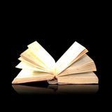 μαγικός ανοικτός βιβλίων Στοκ Εικόνες