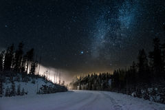 Μαγικός χιονώδης δρόμος Στοκ Εικόνες