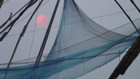 Μαγικό ηλιοβασίλεμα στην παραλία Κεράλα, Ινδία Kochi απόθεμα βίντεο