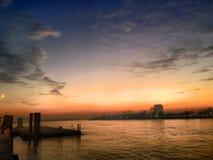 Μαγικό ηλιοβασίλεμα ποταμών Στοκ Εικόνες