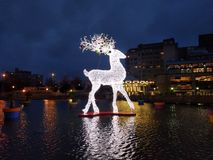 Μαγικό φως Χριστουγέννων δίπλα στο Παρίσι στοκ φωτογραφίες