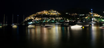 Μαγιορκινό λιμάνι τη νύχτα στοκ φωτογραφία