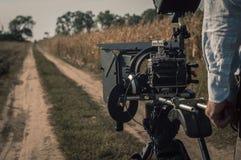 Μαγνητοσκόπηση με την εγκατάσταση γεώτρησης καμερών υπαίθρια Σκηνή κινηματογραφίας στοκ φωτογραφία με δικαίωμα ελεύθερης χρήσης