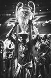 Μαδρίτη, Ισπανία - 1 ΜΑΐΟΥ 2019: Το Georginio Wijnaldum με το φλυτζάνι γιορτάζει τη νίκη του UEFA Champions League το 2019 μετά α στοκ φωτογραφίες με δικαίωμα ελεύθερης χρήσης