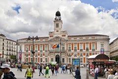 ΜΑΔΡΊΤΗ, ΙΣΠΑΝΙΑ - 28 ΜΑΐΟΥ 2014: Δήμαρχος Plaza και τουρίστας, κέντρο της πόλης της Μαδρίτης Στοκ εικόνα με δικαίωμα ελεύθερης χρήσης