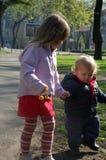 μαζί περπατώντας στοκ φωτογραφία με δικαίωμα ελεύθερης χρήσης