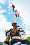 Μαζορέτες που κάνουν μια πυραμίδα Στοκ Εικόνες