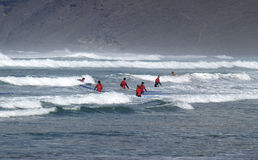 Μαθήματα σερφ, Lanzarote Famara Στοκ Εικόνες