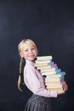 Μαθητής στο υπόβαθρο πινάκων Στοκ φωτογραφία με δικαίωμα ελεύθερης χρήσης