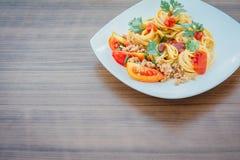 Μακαρόνια με τη σάλτσα ντοματών Στοκ εικόνες με δικαίωμα ελεύθερης χρήσης