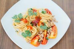 Μακαρόνια με τη σάλτσα ντοματών Στοκ Εικόνες