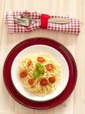 Ζυμαρικά με τις φρέσκες ντομάτες Στοκ φωτογραφίες με δικαίωμα ελεύθερης χρήσης