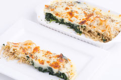 Μακαρόνια με το ψημένο τυρί Στοκ Εικόνες