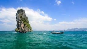 Μακριά βάρκα ουρών κοντά στο AO Nang, Krabi Ταϊλάνδη Στοκ Εικόνες
