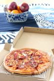 μακριά η πίτσα παίρνει Στοκ φωτογραφία με δικαίωμα ελεύθερης χρήσης
