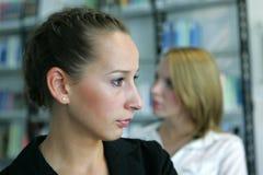 μακριά κορίτσια που φαίνο&n Στοκ Φωτογραφίες