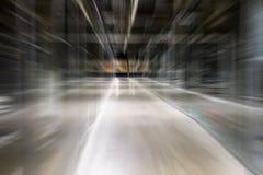 Μακριά κυκλοφορία εύρους ζώνης ζουμ γραμμών διαδρόμων μετακίνησης ταχύτητας Αφηρημένος διάδρομος επίδρασης θαμπάδων υποβάθρου βιο στοκ εικόνες