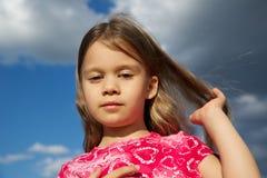 μακριές νεολαίες τριχώματος κοριτσιών στοκ φωτογραφίες με δικαίωμα ελεύθερης χρήσης