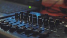 Μακρινός υγιής μηχανικός Οργάνωση της επίδειξης Οργάνωση συναυλίας Μουσικός τηλεχειρισμός Κινηματογράφηση σε πρώτο πλάνο έλεγχος  απόθεμα βίντεο