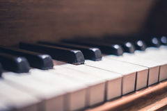 Μακροεντολή κλειδιών πιάνων - εκλεκτής ποιότητας κινηματογράφηση σε πρώτο πλάνο πιάνων Στοκ Εικόνα