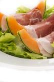 Μακροεντολή Prosciutto, πεπονιών και σαλάτας στοκ φωτογραφία με δικαίωμα ελεύθερης χρήσης