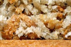 Μακροεντολή κινηματογραφήσεων σε πρώτο πλάνο του ψωμιού και crumbs ψωμιού Στοκ εικόνα με δικαίωμα ελεύθερης χρήσης