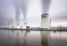Μακροχρόνια έκθεση σταθμών πυρηνικής ενέργειας Στοκ εικόνες με δικαίωμα ελεύθερης χρήσης