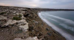 Μακροχρόνια έκθεση της άγριας παραλίας Στοκ φωτογραφία με δικαίωμα ελεύθερης χρήσης