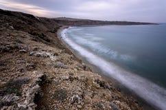 Μακροχρόνια έκθεση της άγριας παραλίας Στοκ Εικόνες