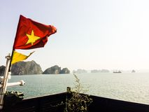Μακροχρόνια κρουαζιέρα κόλπων του Βιετνάμ εκτάριο Στοκ φωτογραφίες με δικαίωμα ελεύθερης χρήσης