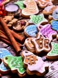 Μακροχρόνια σειρά των βερνικωμένων μπισκότων Στοκ εικόνα με δικαίωμα ελεύθερης χρήσης