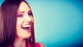Μακροχρόνιο ευθύ πορτρέτο τρίχας γυναικών makeup Στοκ εικόνα με δικαίωμα ελεύθερης χρήσης